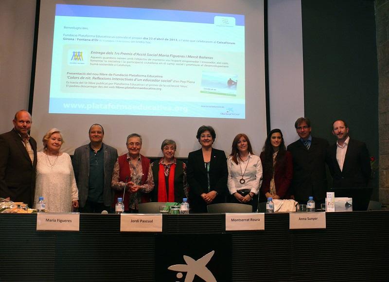 Premiats, autoritats i representants de Plataforma Educativa a l'acte de lliurament dels Premis d'Acció Social. Foto: Plataforma Educativa